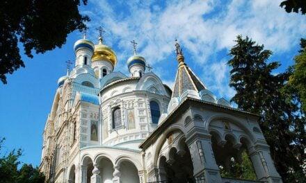 Архиепископ Феодосий совершил Литургию в Петропавловском храме в Карловых Варах (Чехия)