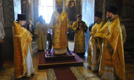 Архиепископ Феодосий совершил Литургию в Неделю 9-ю по Пятидесятнице