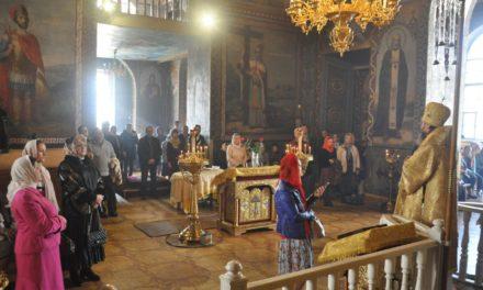 Архиепископ Феодосий совершил Литургию в Неделю 18-ю по Пятидесятнице