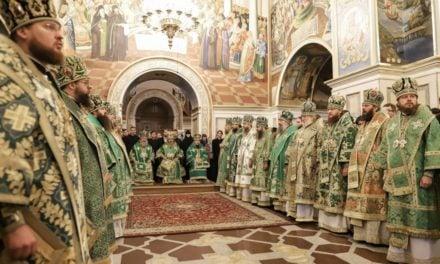 Архиепископ Феодосий сослужил Предстоятелю УПЦ в день памяти прп.Нестора Летописца (+ВИДЕО)