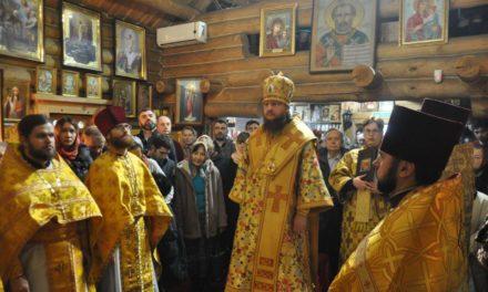 Архієпископ Феодосій очолив богослужіння престольного свята в Свято-Миколаївському храмі на Подолі