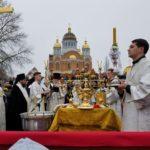 Архієпископ Феодосій взяв участь у звершенні великого освячення вод Дніпра (+ВІДЕО)