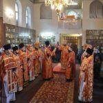 Архієпископ Феодосій очолив Літургію з нагоди малого престольного свята в Петропавлівському храмі на Подолі