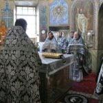 Архієпископ Феодосій звершив Літургію Передосвячених Дарів у Хрестовоздвиженському храмі на Подолі
