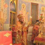 Архієпископ Феодосій звершив нічну Заутреню і Літургію по Пасхальному чину (+ВІДЕО)