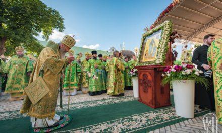 Напередодні дня пам'яті прп.Онуфрія архієпископ Феодосій співслужив Предстоятелю у Києво-Печерській Лаврі