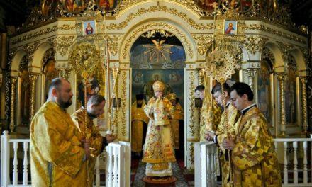 Архиепископ Феодосий совершил Литургию в Неделю 2-ю по Пятидесятнице