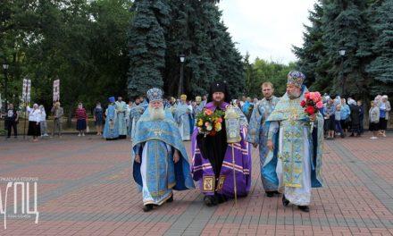 Архиепископ Феодосий поклонился памяти погибших в годы Великой Отечественной войны