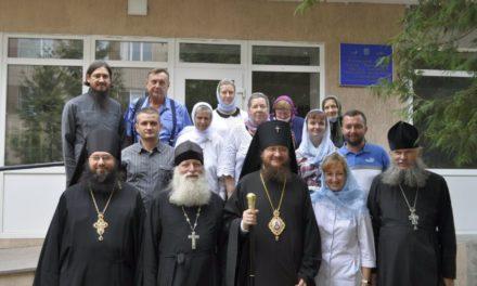 Архієпископ Феодосій оглянув храми Черкас