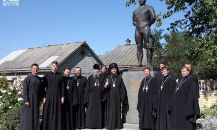 Высокопреосвященнейший владыка Феодосий посетил малую родину легендарного богатыря и спортсмена Ивана Поддубного