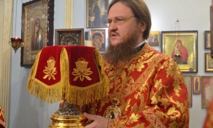 Архиепископ Черкасский и Каневский Феодосий совершил Божественную литургию в храме при 1-й городской больнице Черкасс