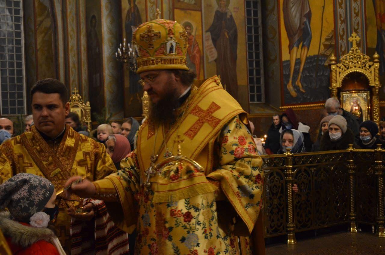 Архиепископ Феодосий совершил всенощное бдение накануне Недели 30-й по Пятидесятнице - ЧЕРКАССКИЙ БЛАГОВЕСТНИК