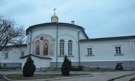 Архієпископ Феодосій звершив Літургію в Красногірському Золотоніському жіночому монастирі