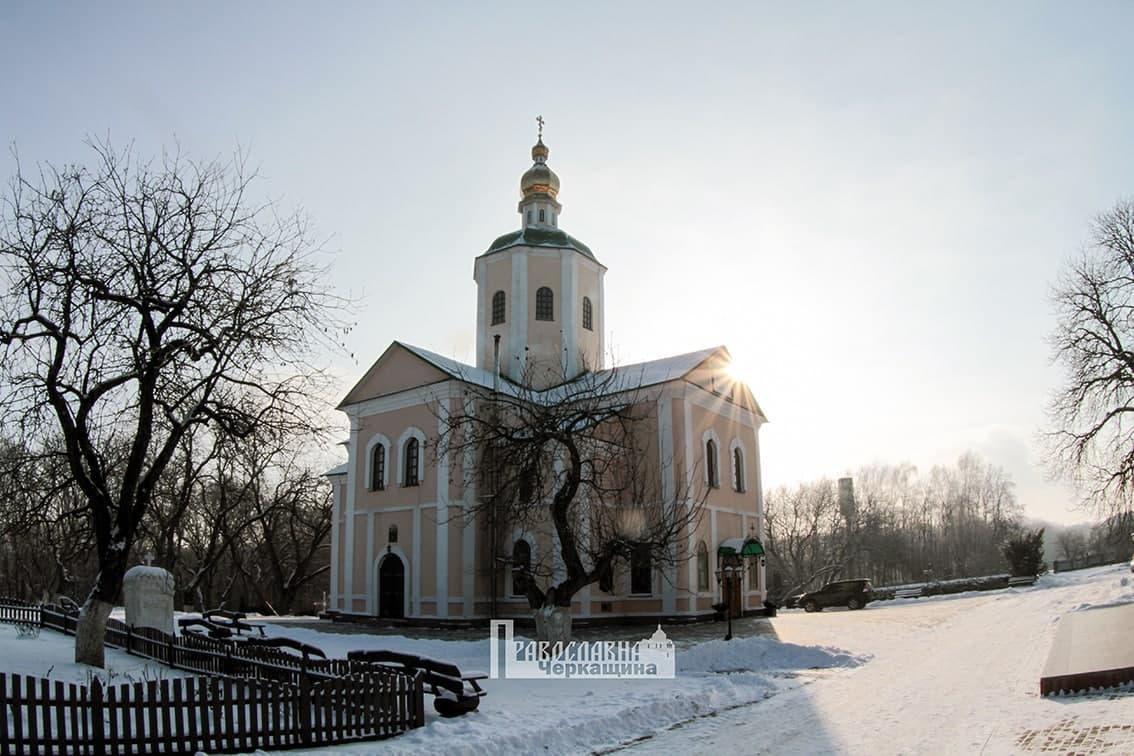 Архиепископ Феодосий посетил одну из старейших святых обителей – Свято-Троицкий Мотронинский монастырь