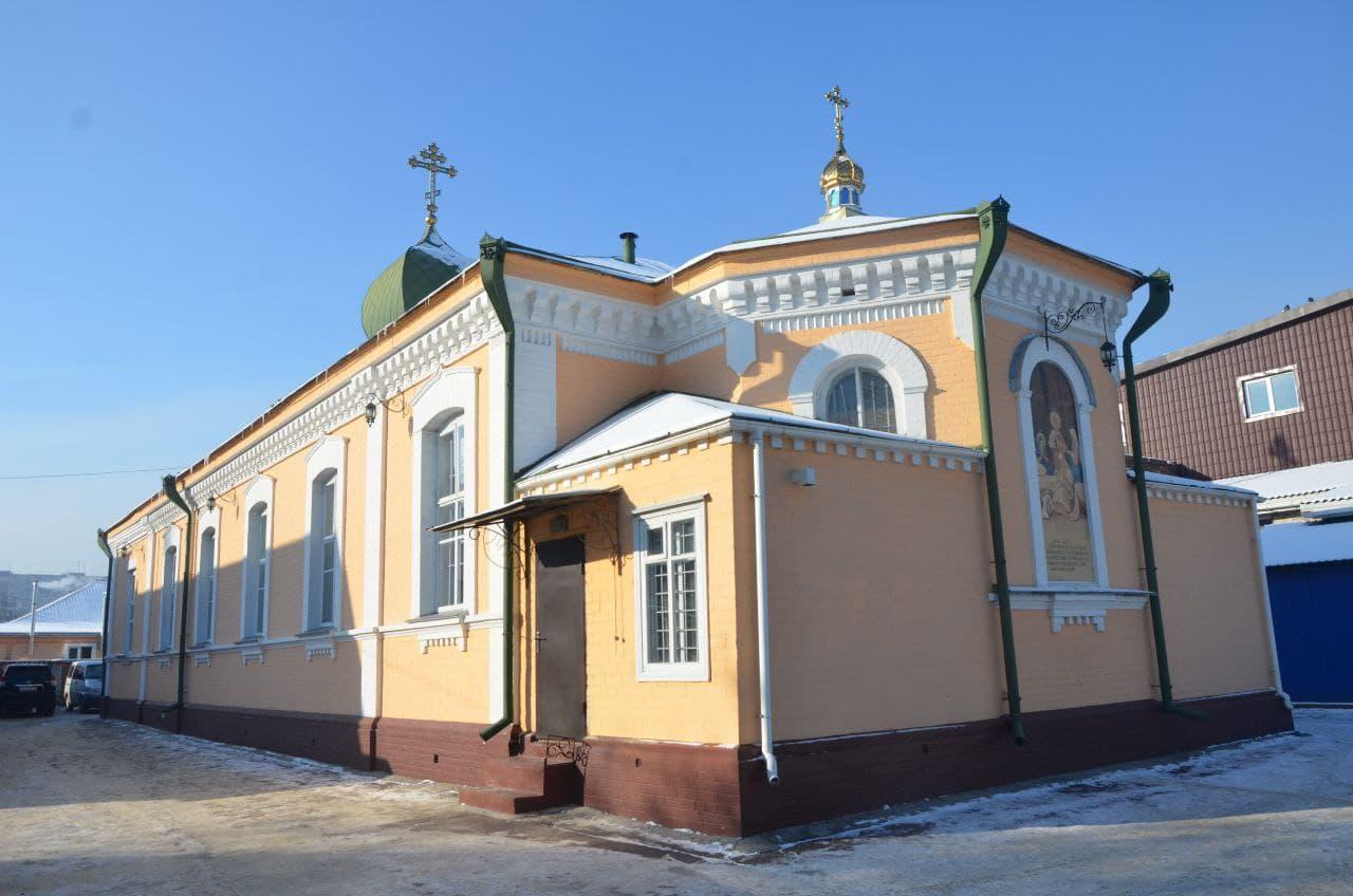 Архиепископ Черкасский и Каневский Феодосий возглавил Литургию в монастыре Рождества Пресвятой Богородицы г.Черкассы