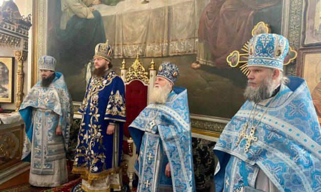 Архиепископ Феодосий совершил архипастырский визит в Красногорский Покровский монастырь