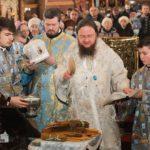 На свято Стрітення Господнього архієпископ Феодосій звершив Літургію в Архангело-Михайлівському кафедральному соборі Черкас