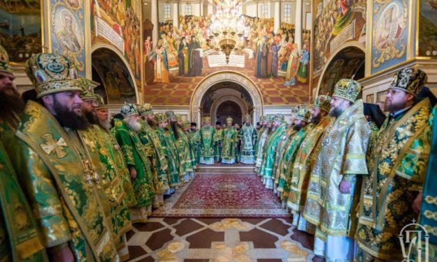 В день памяти Собора всех прпп.Киево-Печерских архиепископ Феодосий сослужил Предстоятелю УПЦ в Святой Лавре (+ВИДЕО)