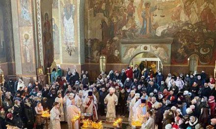 Архиепископ Феодосий совершил Литургию в мясопустную родительскую субботу