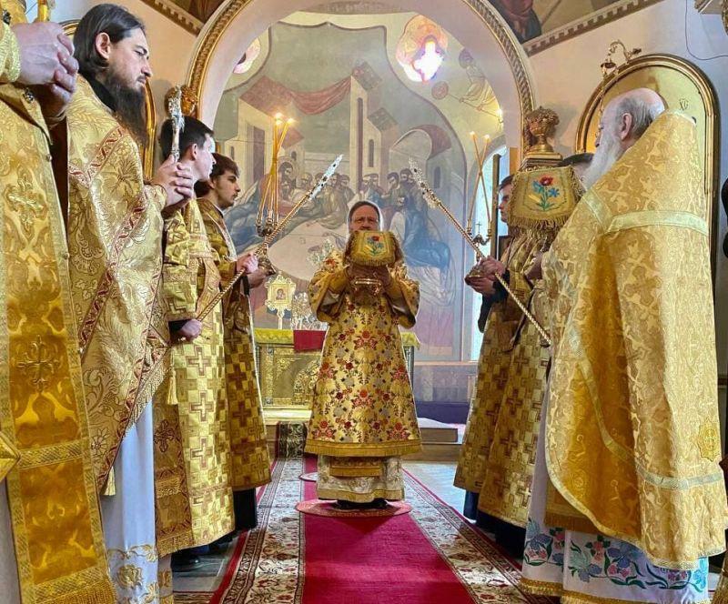 Архиепископ Феодосий совершил Литургию в Неделю о Страшном Суде