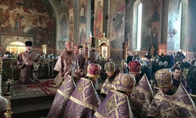 Архиепископ Феодосий совершил всенощное бдение накануне Недели 1-й Великого поста