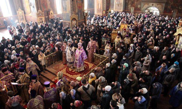 В Неделю Торжества Православия архиепископ Феодосий возглавил Божественную литургию в кафедральном Михайло-Архангельском соборе