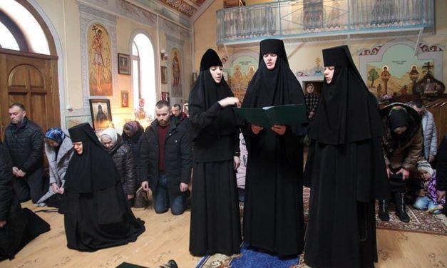 Архиепископ Феодосий возглавил престольный праздник в скиту Мотронинского монастыря