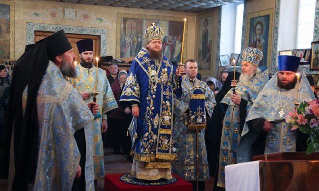 Архієпископ Феодосій звершив Благовіщенську всенічну у Стеблівському жіночому монастирі