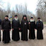 Архієпископ Феодосій відвідав визначні історичні місця Холодного Яру