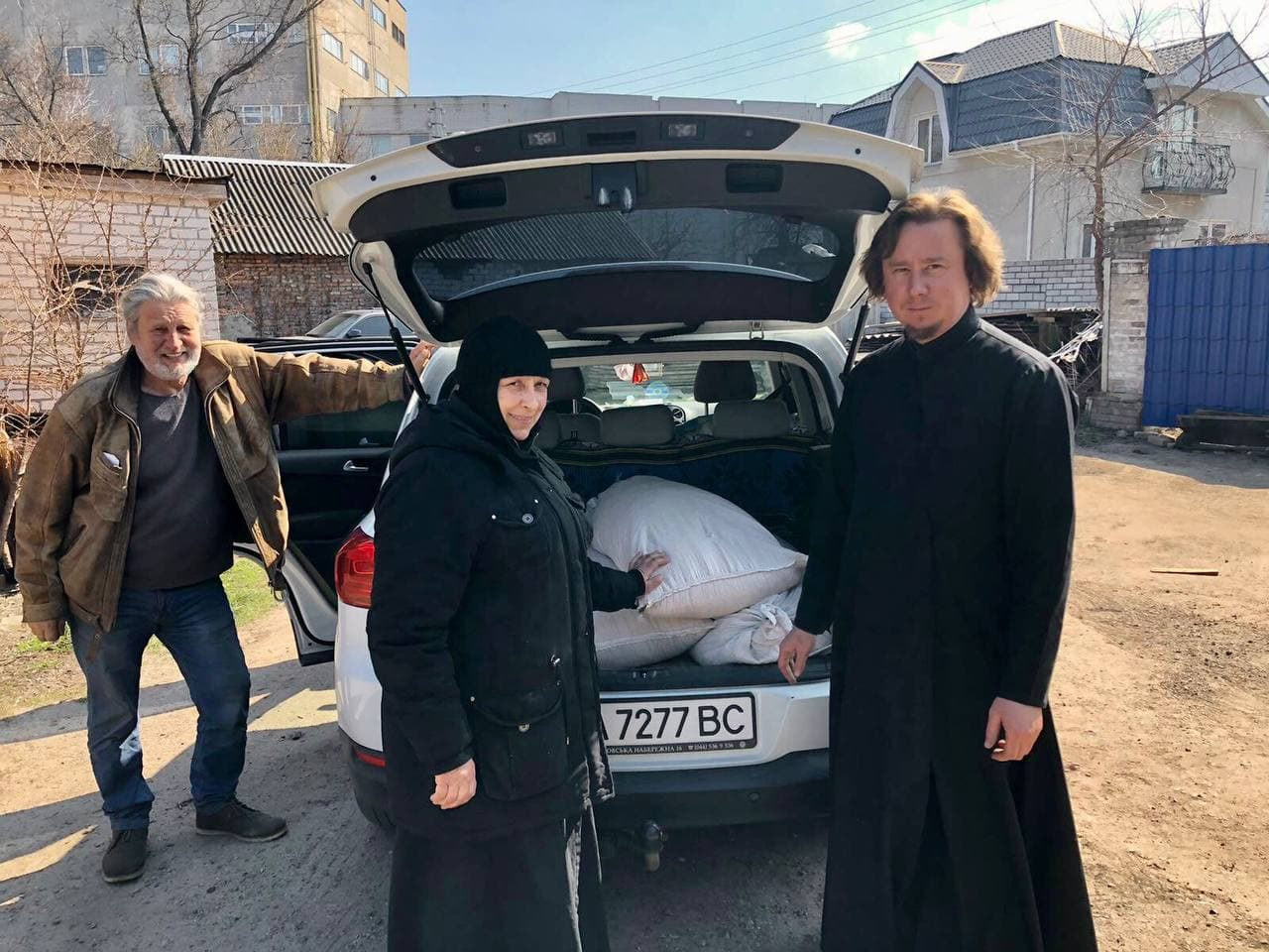 Отдел по благотворительности Черкасской епархии обеспечил монастыри зерновыми культурами