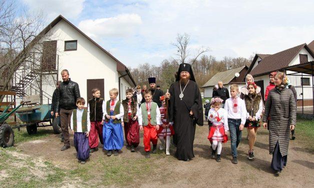 Архієпископ Феодосій освятив закладку навчального корпусу в першій Черкаській православній гімназії
