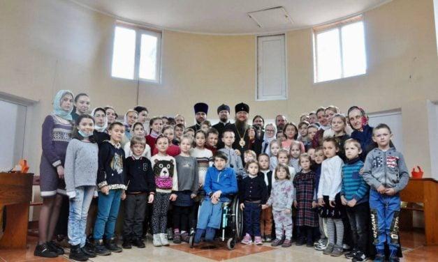В Черкасской епархии прошел мастер-класс по росписи пасхальных пряников и писанок (+ВИДЕО)