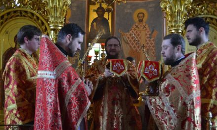 Архиепископ Черкасский и Каневский Феодосий совершил Божественную литургию в Неделю 2-ю по Пасхе