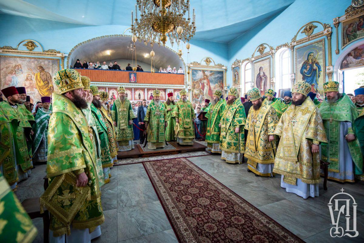 Архиепископ Феодосий сослужил Предстоятелю УПЦ на торжествах по случаю прославления святых в Александрии