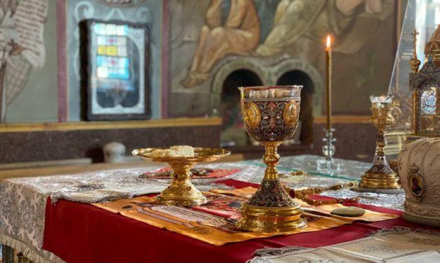 Архиепископ Феодосий возглавил Литургию в Архангело-Михайловском кафедральном соборе города Черкассы