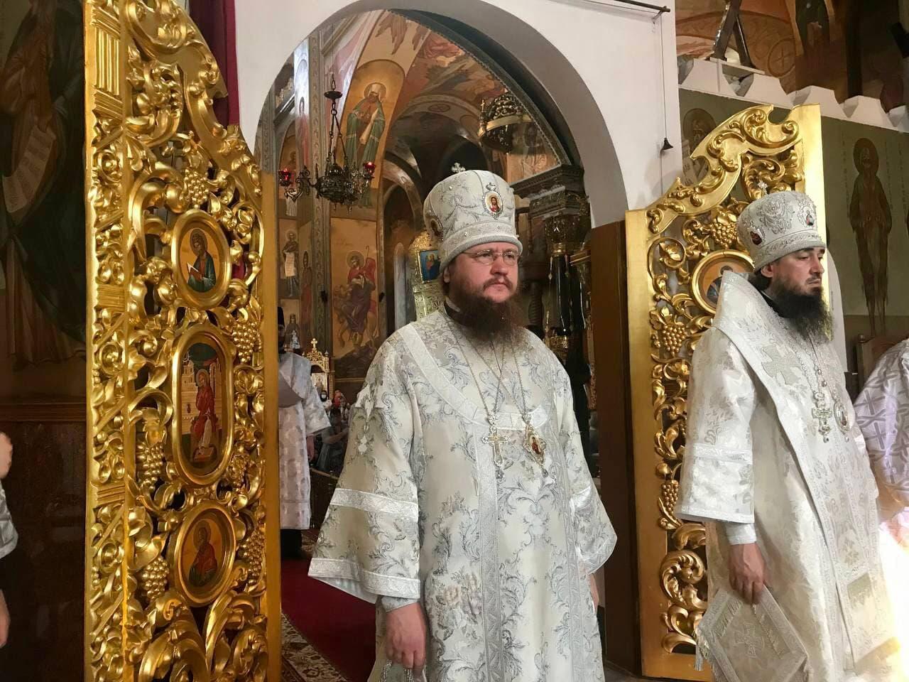 Архиепископ Феодосий возглавил Литургию в Троицкую родительскую субботу