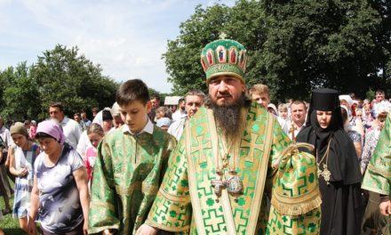 Епископ Корсунь-Шевченковский Антоний возглавил престольный праздник Свято-Троицкого Мотронинского женского монастыря