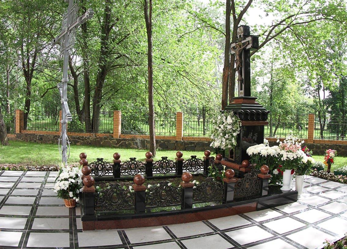Полнота Черкасской епархии молитвенно отмечает годовщину кончины митрополита Софрония