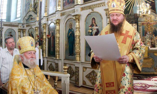 Архиепископ Феодосий поздравил старейшего клирика и рукоположил двух новых клириков для Черкасской епархии