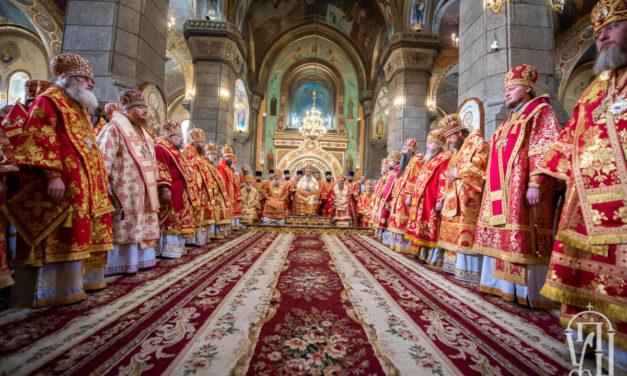 Митрополит Феодосій співслужив Предстоятелю УПЦ на урочистостях з нагоди прославлення святого в Житомирі