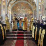 Митрополит Феодосий возглавил соборный молебен по случаю Дня независимости