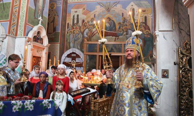 На Успіння Пресвятої Богородиці митрополит Феодосій служив у найстарішому кафедральному соборі часів Київської Русі