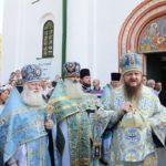 Митрополит Феодосий благословил детей и учеников Каневщины на новый учебный год