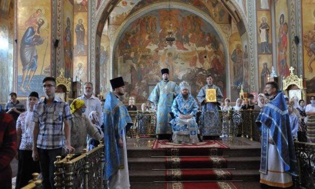 Митрополит Черкасский и Каневский Феодосий совершил Литургию в Неделю 10-ю по Пятидесятнице