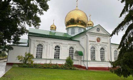 Епископ Корсунь-Шевченковский Антоний возглавил престольный праздник Лебединского женского монастыря