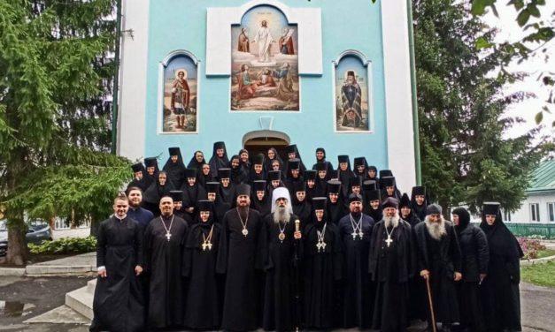 Митрополит Тернопольский и Кременецкий Сергий возглавил Литургию в Золотоношском Красногорском женском монастыре Черкасской епархии