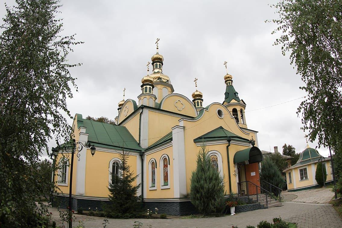 Митрополит Феодосій очолив соборне богослужіння у Свято-Миколаївському храмі міста Сміла