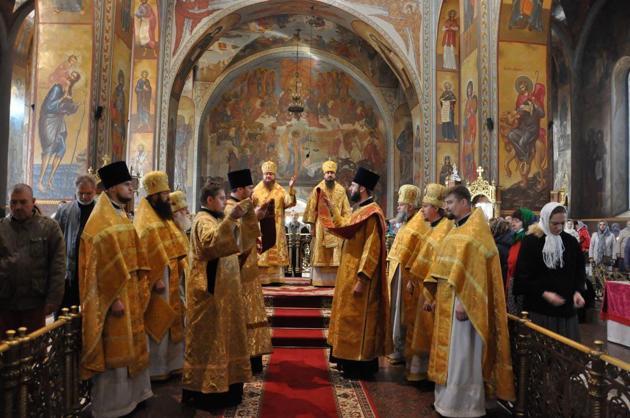 Митрополит Черкаський і Канівський Феодосій очолив Літургію в Неділю 14-ту після П'ятидесятниці в Архангело-Михайлівському кафедральному соборі м.Черкаси