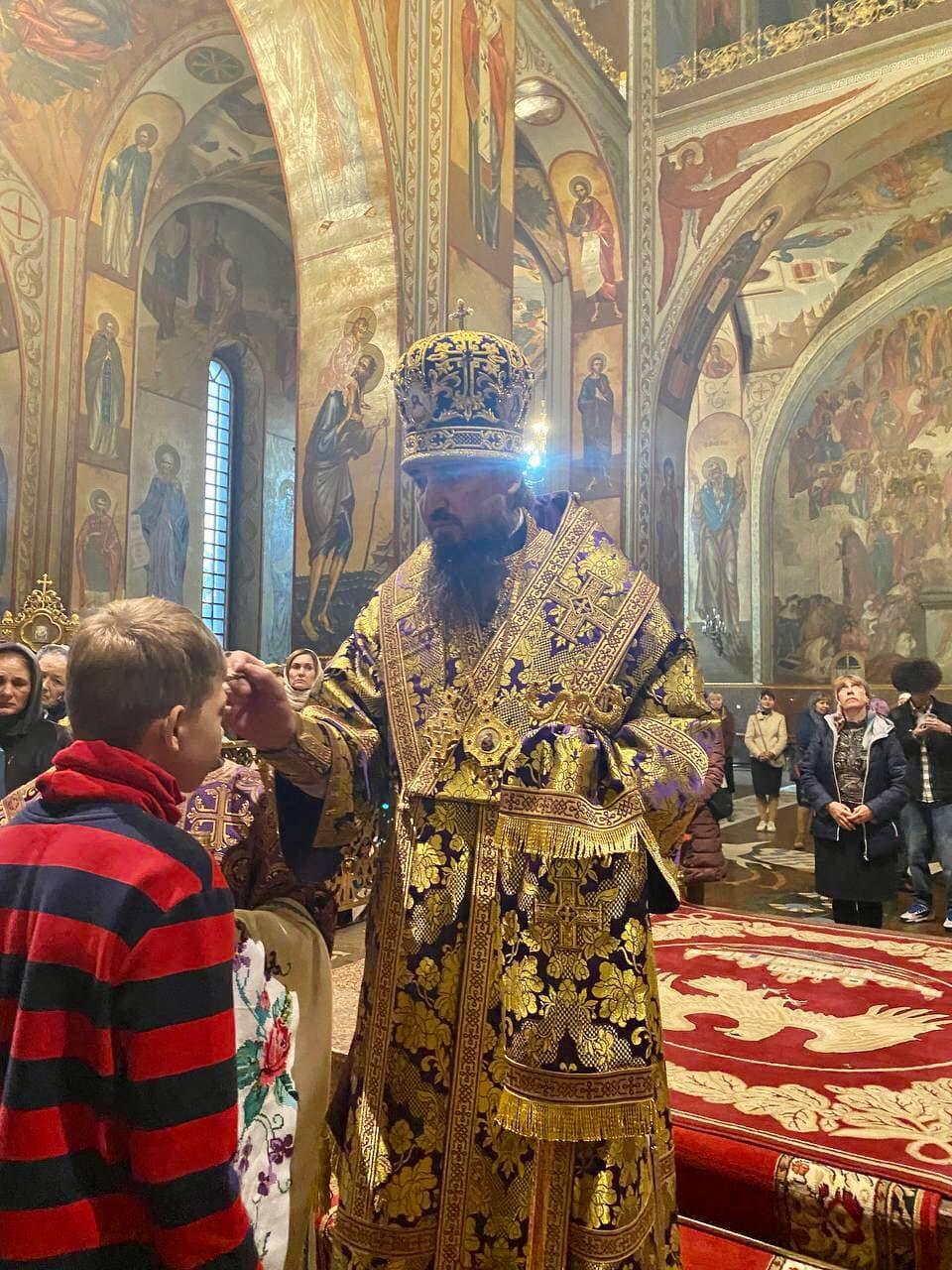 Всенощное бдение накануне праздника Воздвижения Креста Господня в Архангело-Михайловском кафедральном соборе Черкасс
