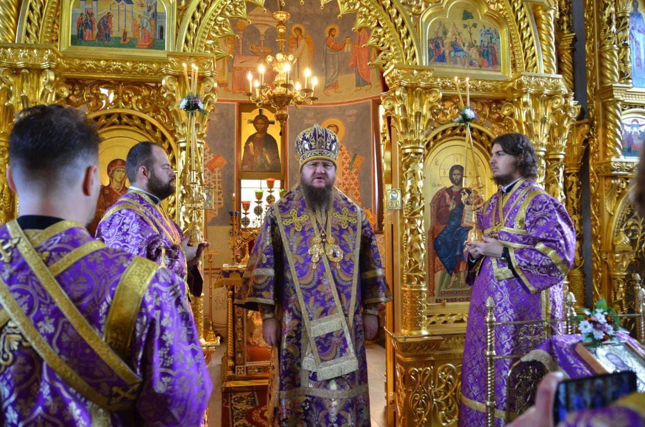 Митрополит Черкаський і Канівський Феодосій звершив Літургію в день свята Воздвиження Хреста Господнього (+ВІДЕО)